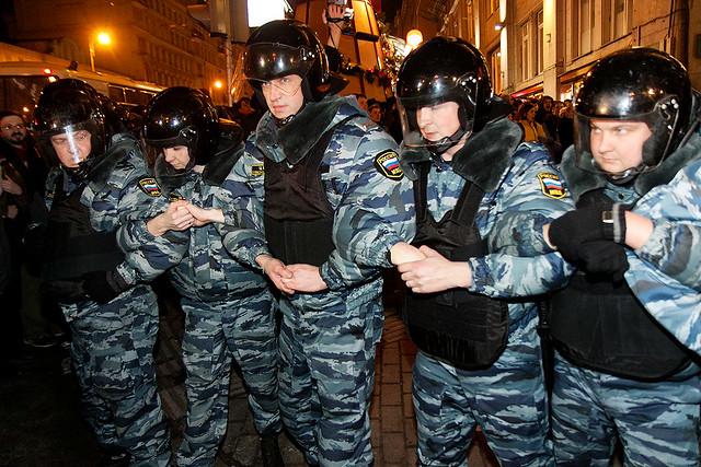 Полиция на Триумфальной