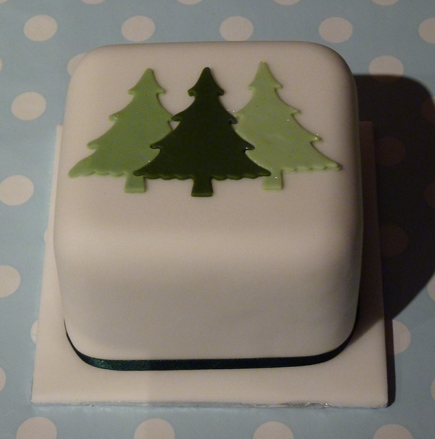 Quick Christmas Cake Decoration : 3 trees christmas cake Flickr - Photo Sharing!