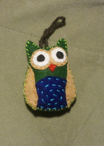 owl ornament by Zurrr