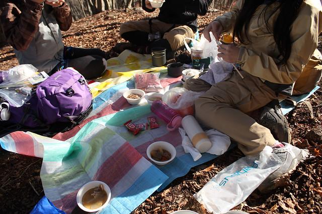 伊豆ヶ岳の昼食