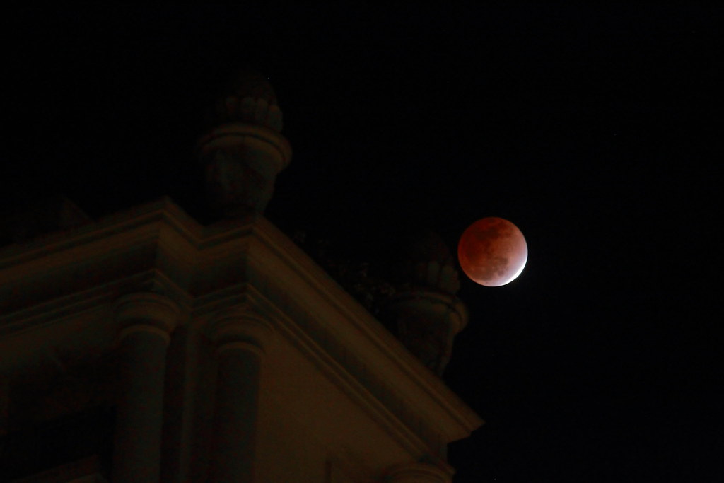 Eclipsed Moon from Hiranandani, Powai