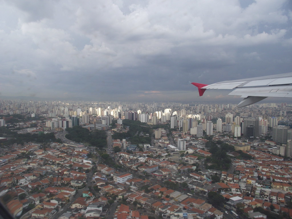 Taking off from Congonhas Airport. Sao Paulo, SP, Brazil.