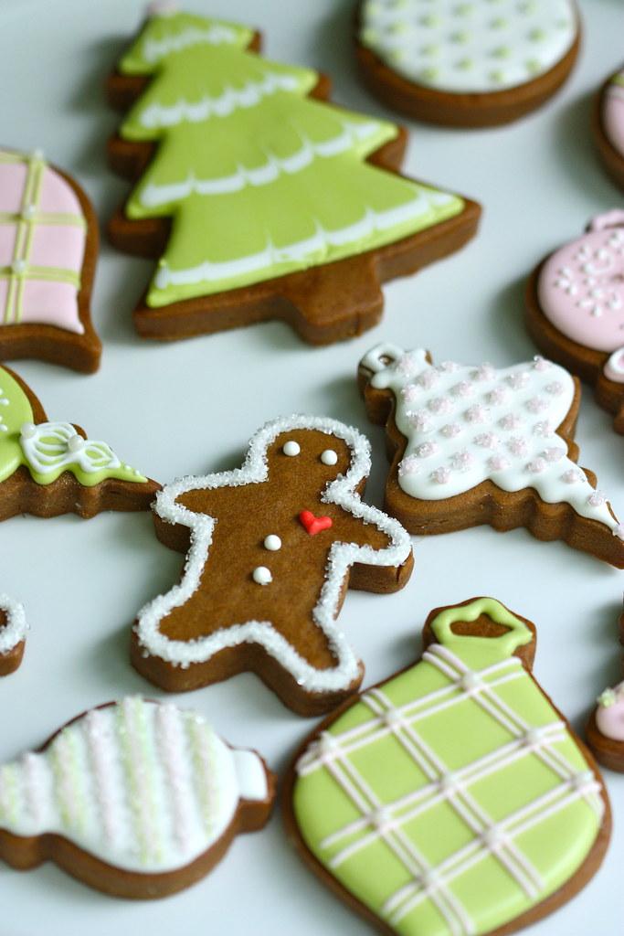 Green And Pink Christmas Cookies Piping Royal Icin Flickr