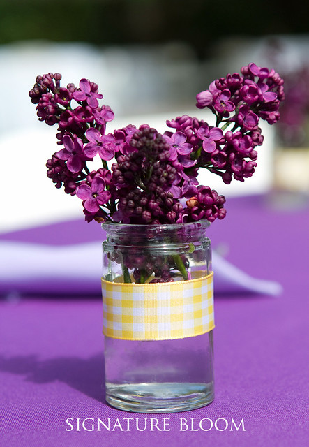 Need some wedding favors Floral favours are unique gift ideas that your