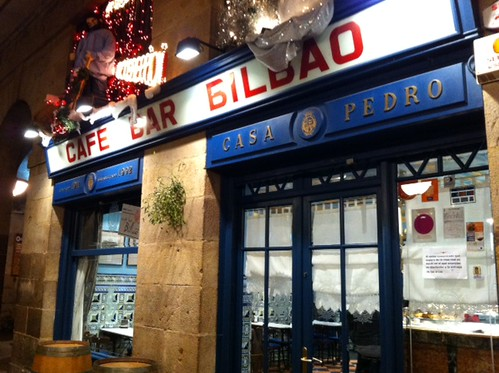 Cafe Bilbao Plaza Nueva by LaVisitaComunicacion