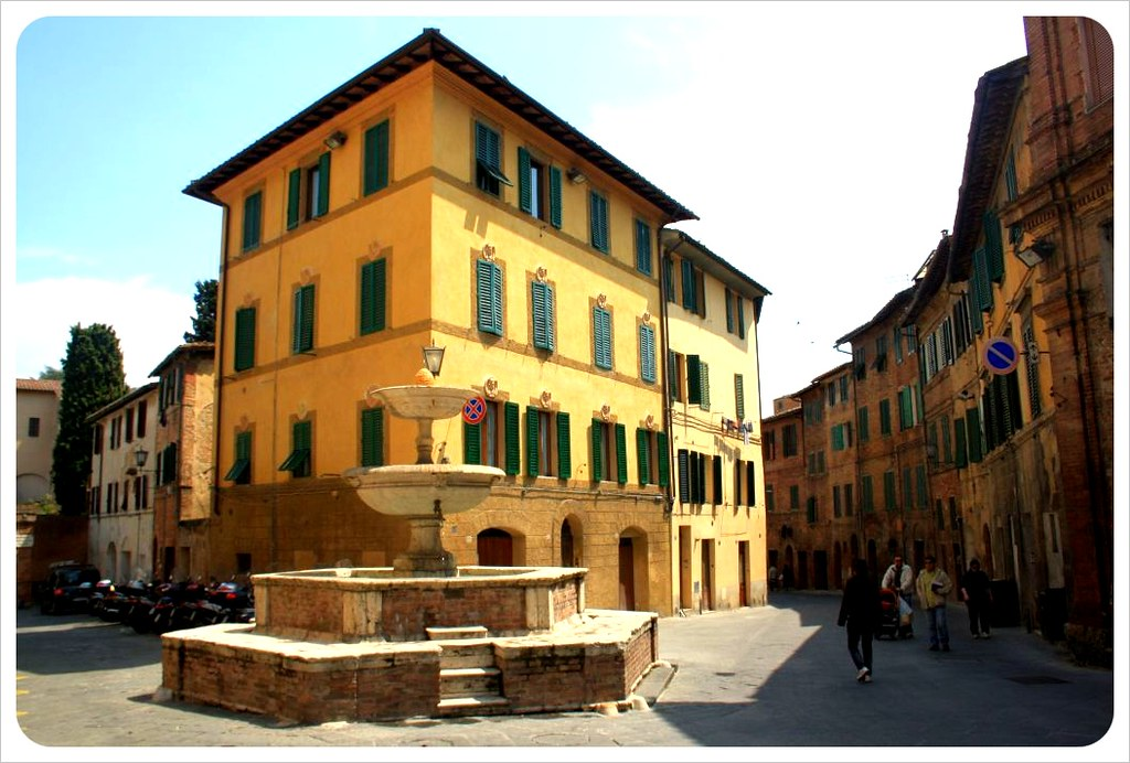 siena square with fountain