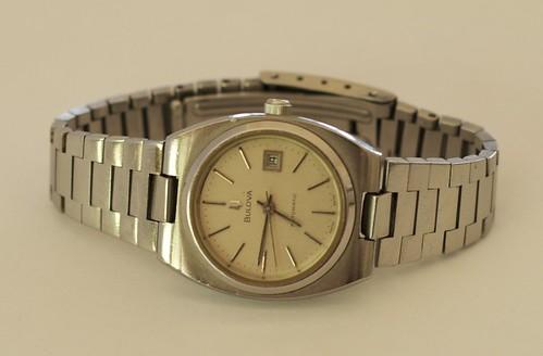 Bulova (integrated bracelet)