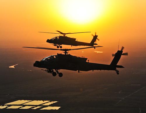 無料写真素材, 戦争, 軍用機, 朝焼け・夕焼け, ヘリコプター, AH アパッチ, アメリカ軍