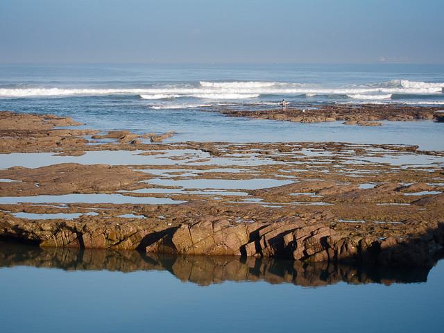 Maroc 2011 - Pêcheur face à l'océan atlantique - Casablanca