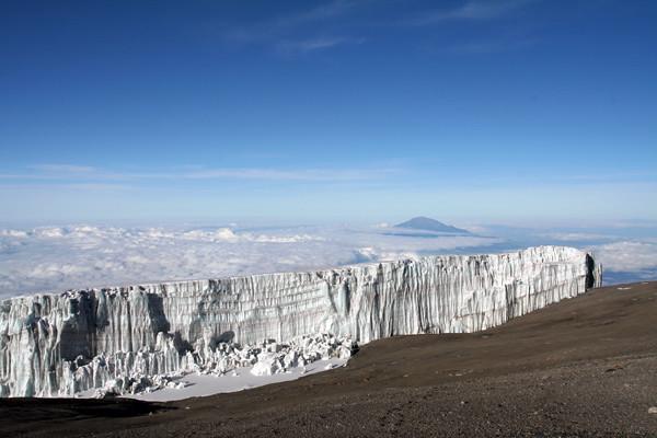 6684823499 a43bbe253f z El equipo YokmoK hace cumbre en el Kilimanjaro