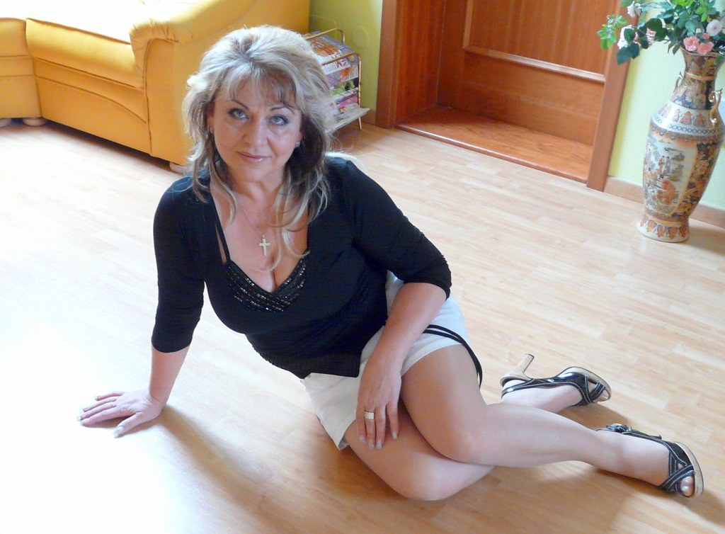 50 plus mature needs deep dicking 8