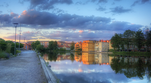 trees houses sunset sky lake night clouds buildings reflections bench lights cloudy sweden path garage sverige flagpole bushes hdr eskilstuna gravel chromaticaberration eskilstunaån