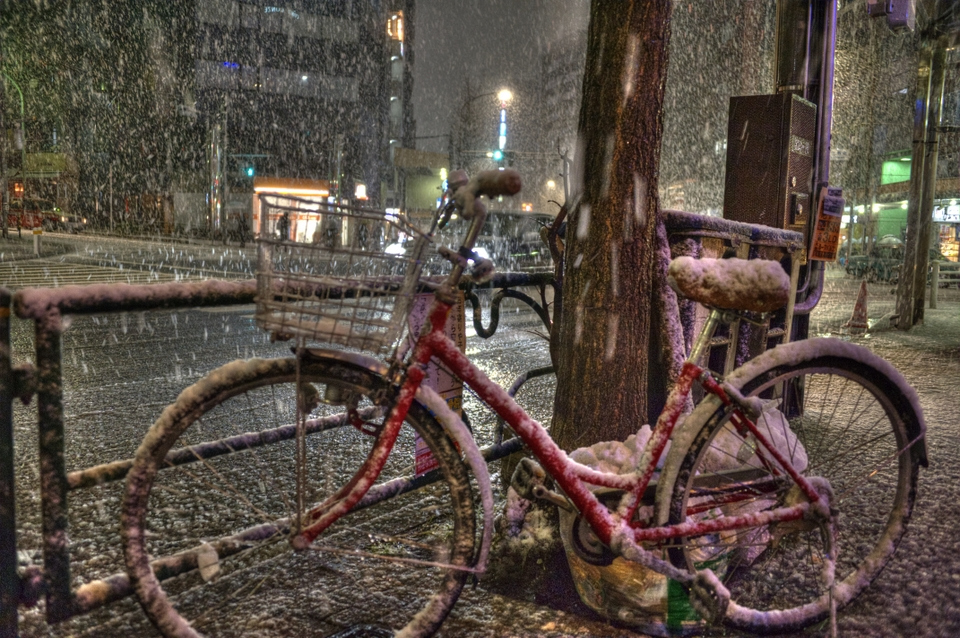 I would not look forward to riding this bike home in the snow