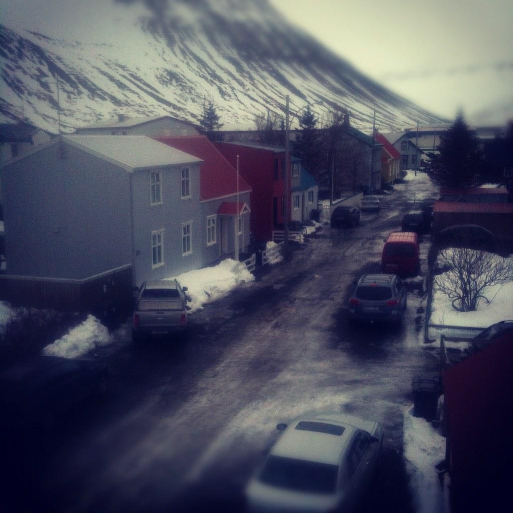 Snjór þrem dögum seinna / snowday three days laiter