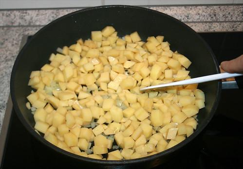 18 - Kartoffeln anbraten / Roast potatoes