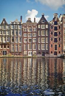 Canal Damrak, Amsterdam. 2000