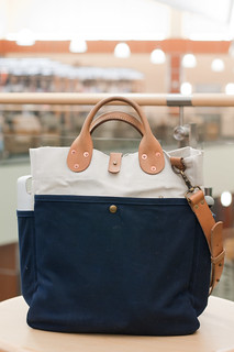 Winter Session Garrison Tote Bag in Navy