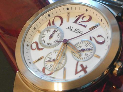 ALBA ASPE37X (V33J-X060)實品圖。購自時代鐘錶。