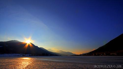 winter sunset mountain lake mountains ice nature canon landscape austria see frozen österreich sonnenuntergang natur kärnten berge eis landschaft weissensee kaernten skyfreezer