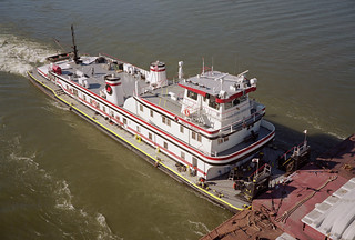 a5k018: Jerry E. Holbert upbound on Ohio River at Louisville, Kentucky