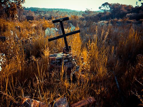 Cementerio Santa Ana by Ivan Pawluk