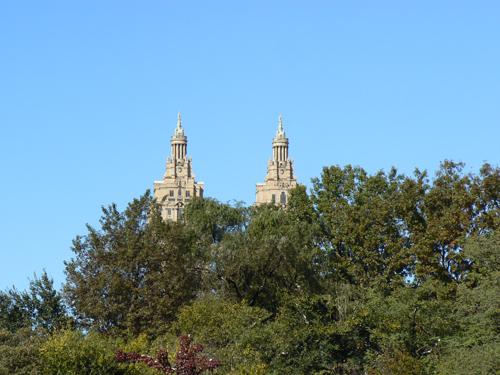 deux tours derrière central park.jpg