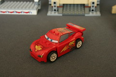 8639 Big Bentley Bust Out - Lightning McQueen 1