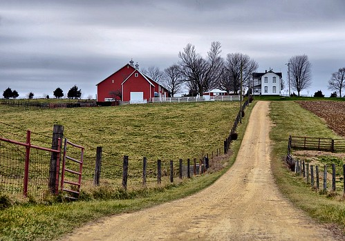 autumn red white oregon illinois cloudy farm oneofakind naturesbest countryroads flickrnature natureandlandscapes prettyfreakinsweet theillinoisdirectory screamofthephotographer keleka656 nikond7000 adayinthelifeofours onlythebestarememoriesthroughphotography justwestoftherockriveronrt2
