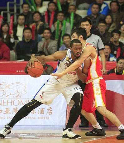 December 14th, 2011 - Former Houston Rocket Mike Harris posts up for his Shanghai Sharks team