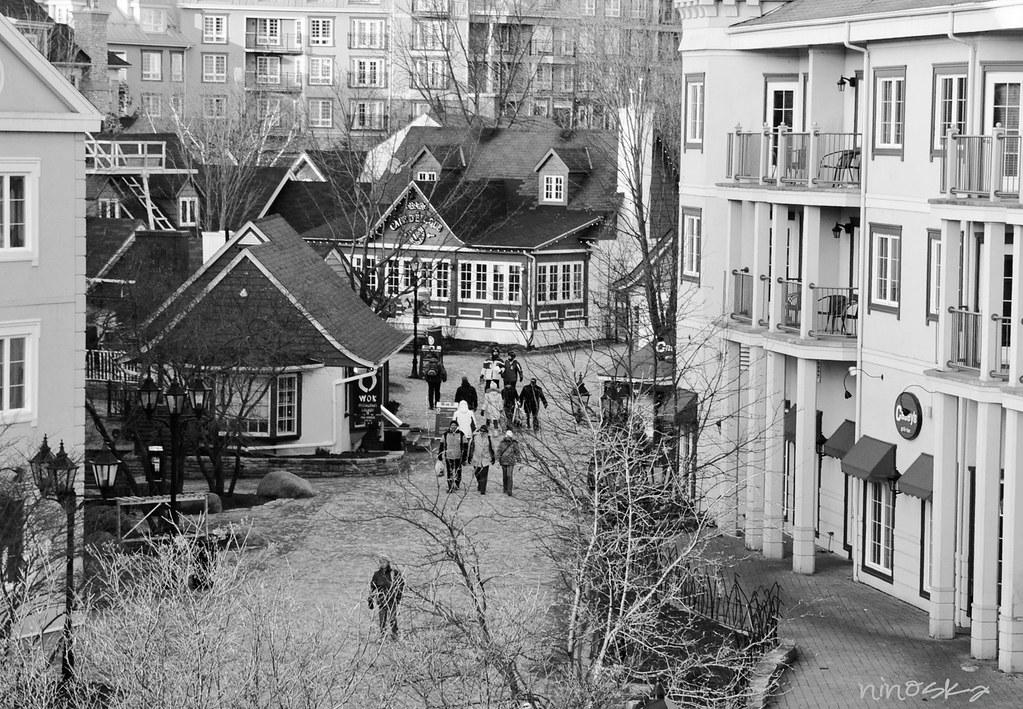 rue-BW