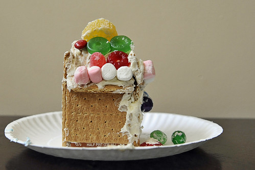 066 Abby's gingerbread house
