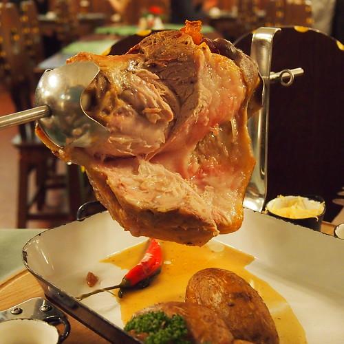 見た目はいいけど、まずい肉、ビローン@プラハ