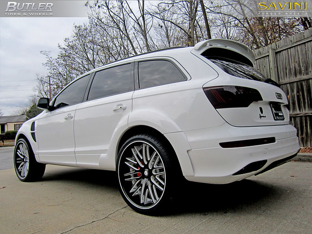 Audi Q7 with 24in Savini SV-25c Concave Wheels 6