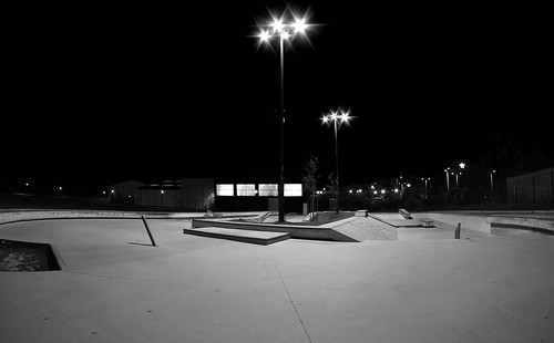 IMCD0674-Skatepark de Lannion- At night.