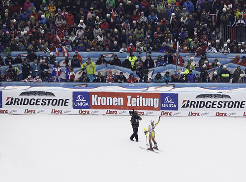 Erin Mielzynski, Lienz waving at the crowd