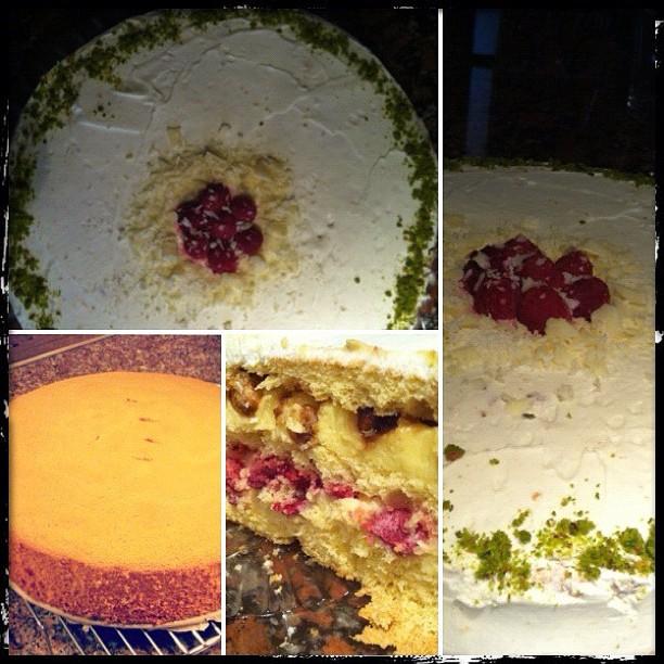 6643225969 c445be2048 o Beyaz Çikolatalı Frambuazlı Krokanlı Pasta
