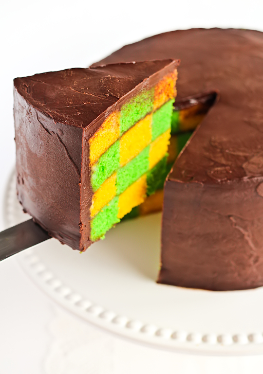 green_gold_checkerboard_cake-2