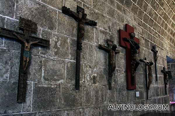 Crucifix artifacts