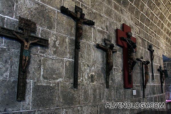 Crucifix artifacts