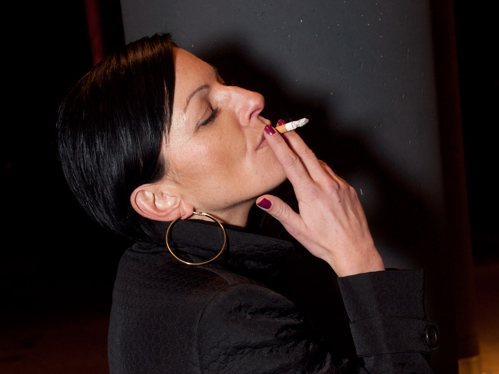 arab girl smoking cigarette - babes - video xxx