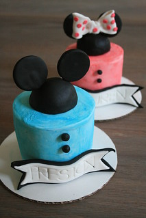 Mickey and Minnie Mouse Mini Cakes