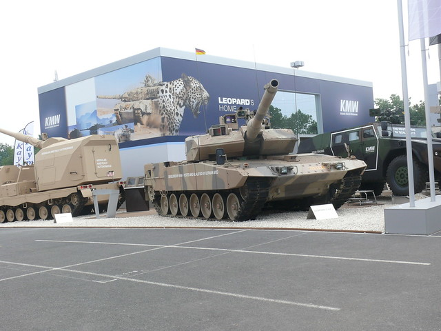 Leopard 2A7 Walk Around