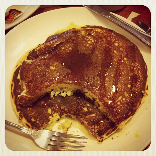 Happy Thing: Gluten-Free Pancakes at The Broken Yolk