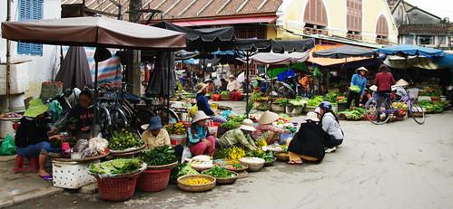 Market in Hội An by Gregor  Samsa
