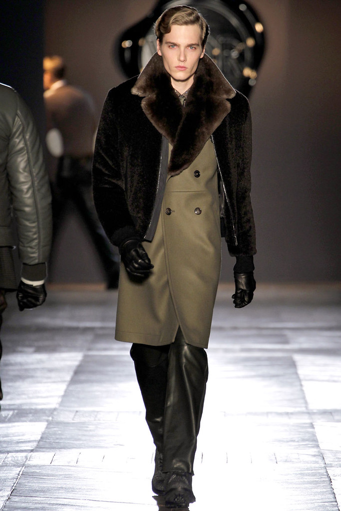 FW12 Paris Viktor & Rolf009_Lennart Richter(VOGUE)