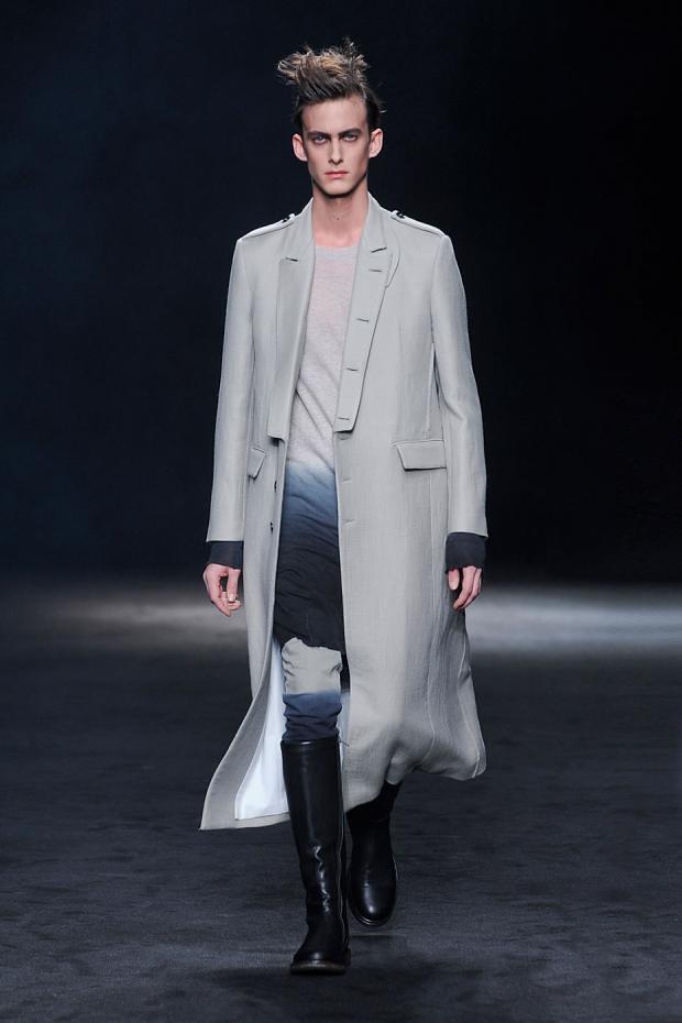 Elias Cafmeyer3062_FW12 Paris Ann Demeulemeester(fashionising.com)