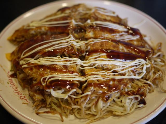 Photo:Hiroshima style Okonomiyaki Close-up By GetHiroshima