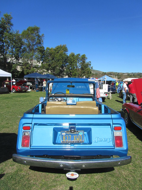 1972 Jeepster Commando http://www.flickr.com/photos/mr38/6843143931/