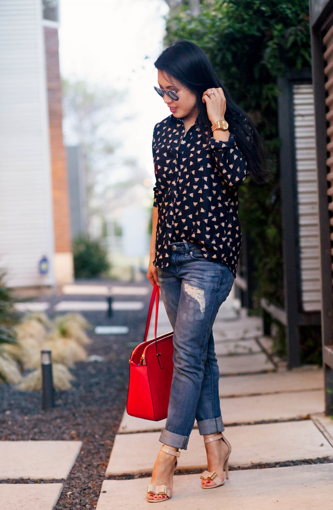 cute & little blog | petite mom fashion | french hen printed shirt, distressed boyfriend jeans, steve madden nude bow sandals, layered dainty necklaces outfit