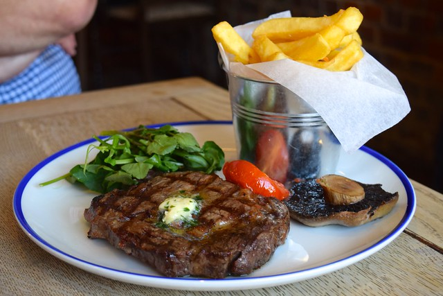 Rib Eye Steak & Chips at The Duke William, Ickham | www.rachelphipps.com @rachelphipps